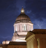 Gewitter produziert Regen-Donner-Blitzschlag-Kapital-Haube Lizenzfreie Stockfotografie