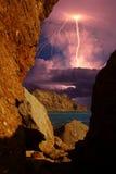 Gewitter und Blitz auf den Hügeln, Krim Stockfoto