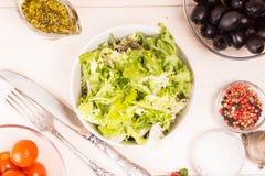 Geworfener Salat Stockbilder