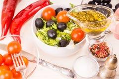 Geworfener Salat Stockbild