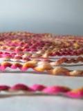 Gewundener Garn-Hintergrund, Mehrfarbenstrudel Stockbild