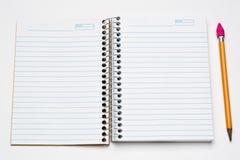 Gewundenes Notizbuch im Taschenformat Stockfotografie