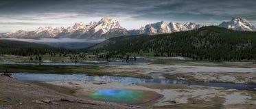 Geyser chez Yellowstone photos stock