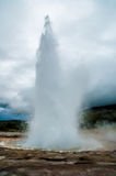 Geyser dans l'éruption Photos stock