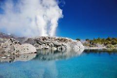 Geyser de Pohutu, Nova Zelândia foto de stock
