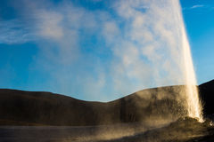 Geyser de Puchuldiza (o Chile) Fotos de Stock Royalty Free