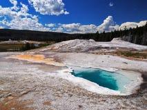 Geyser dello stagno del turchese nel parco nazionale di Yellowstone Fotografia Stock