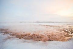 Geyser durante o inverno, Islândia, Escandinávia Fotografia de Stock
