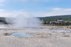 Geyser nel parco nazionale di Yellowstone, Wyoming, U.S.A. Immagine Stock