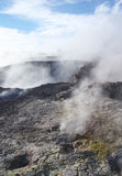 Geyser Sol de Manana破裂的地球在Bolivi 库存图片