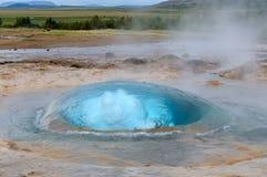 Geyser Strokkur στην Ισλανδία στοκ φωτογραφίες