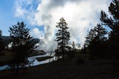 Geysers de début de la matinée chez Yellowstone Image stock