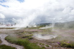 Geysir de borbulhagem em Islândia Imagens de Stock Royalty Free