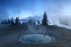 Geysire und See in Yellowstone Lizenzfreies Stockbild