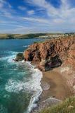 Gezeiten- Bucht, mit Ansicht in Richtung zu neuem Polzeath, Nord-Cornwall stockfoto