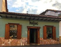 Gezellig ouderwets Restaurant in Cuenca, Ecuador Stock Fotografie