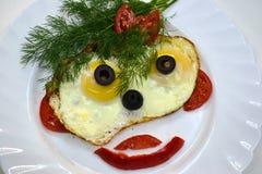 Gezicht dat van eieren wordt gemaakt Stock Foto