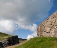 Gezicht in de rots Noordelijke kust van Irland stock fotografie