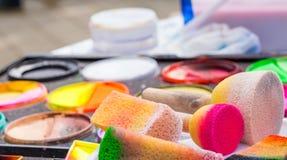 Gezicht het schilderen schoonheidsmiddelen stock afbeeldingen