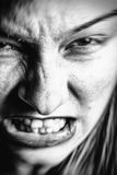 Gezicht van beklemtoonde boze vrouw stock foto