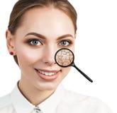 Gezicht van jonge vrouw met droge huid Stock Afbeeldingen