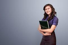 Gezicht van mooi Aziatisch vrouwenbedrijfsdossier Stock Afbeeldingen