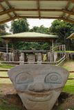 Gezichten in het park van San Agustin Archeological, Huilla, Colombia royalty-vrije stock afbeeldingen