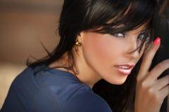 Gezichtsportret van mooie jonge vrouw Stock Foto's