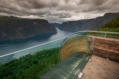 Gezichtspunt Snovegen bij Aurlands-fjord royalty-vrije stock foto