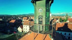 Gezichtspunt van de Toren Lotrscak in Zagreb stock video
