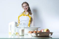 Gezinshulp in keuken royalty-vrije stock foto