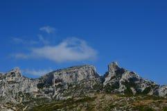 Gezoem op de bergen rond Marseille stock afbeeldingen
