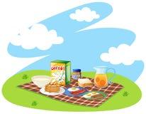 Gezond die ontbijt in het park wordt geplaatst Stock Foto's