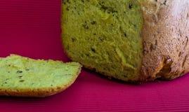 Gezond eigengemaakt brood Stock Afbeeldingen