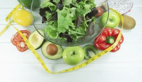 gezond eigengemaakt veganistvoedsel, vegetarisch dieet, vitaminesnack, voedsel en gezondheidsconcept stock afbeelding