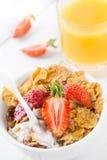 Gezond ontbijt met aardbei Royalty-vrije Stock Foto