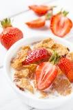 Gezond ontbijt met aardbei Royalty-vrije Stock Foto's