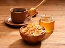 Gezond ontbijt met honing Stock Afbeeldingen