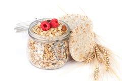Gezond ontbijt met muesli en bessen Stock Afbeelding