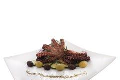 Gezond overzees voedseldetail - octopus & olijven Stock Afbeeldingen