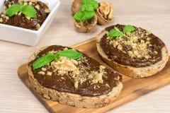 Gezond paleodieet - chocoladeroom met avocado Stock Afbeeldingen