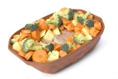 Gezond ruw voedsel in kom Stock Afbeeldingen
