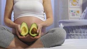 Gezond voedsel en zwangerschap stock video