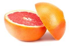 Gezond voedsel grapefruit op witte achtergrond wordt geïsoleerd die stock afbeeldingen