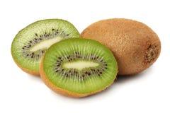 Gezond voedsel Het fruit van de kiwi dat op witte achtergrond wordt geïsoleerdd royalty-vrije stock afbeeldingen
