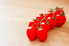 Gezond voedsel: verse rode tomaten Stock Afbeeldingen