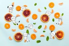 Gezond voedselvruchten patroon met oranje mandarin kruidnagels, groen m Royalty-vrije Stock Afbeelding