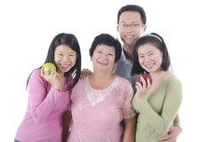 Gezonde Aziatische familie Stock Foto's