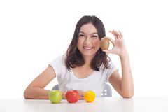 Gezonde Aziatische vrouw met vruchten Royalty-vrije Stock Afbeeldingen