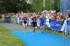 Gezonde de oefeningslooppas van de triatlon triathletes sport Stock Foto